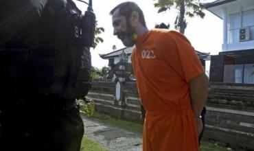 Връщат в индонезийски затвор избягалия българин