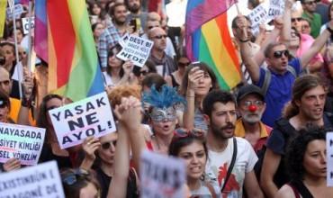 Турските власти забраниха гей парада в Истанбул