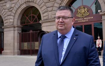 Цацаров и ГЕРБ се обединиха срещу Лозан Панов за съдебната реформа