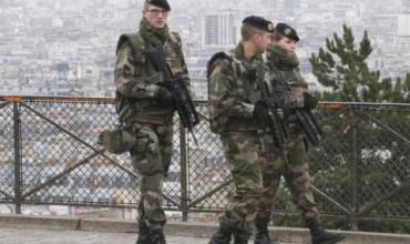 Франция удължи извънредното положение