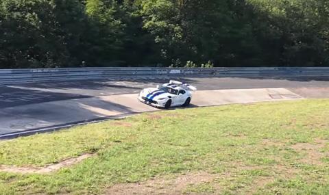 Dodge Viper ACR ще се бори с рекорда на Нюрбургринг