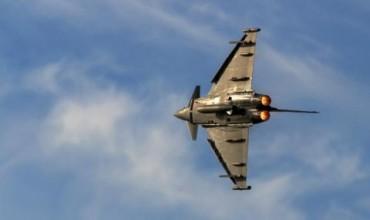 Британски изтребител вдигнат във въздуха заради руски Ту-22