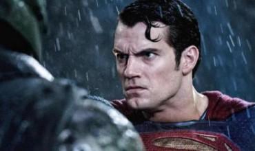 """""""Бръснат"""" Superman дигитално (ВИДЕО)"""