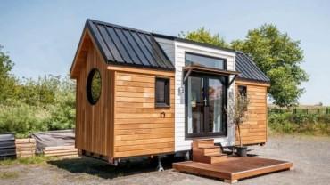 Уникален дом на колела показва страхотен интериор събран в 6 м²