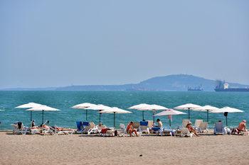 Туристическото министерство обмисля концесии на 11 плажа в големи курорти