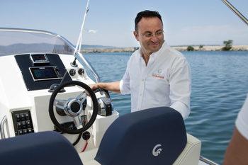 Пазарът иска по-големи яхти, а не повече