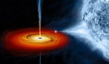 Черна дупка на крачка от Земята (ВИДЕО)