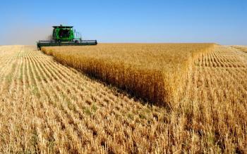 Отпадат 4 и се облекчават над 30 регистрационни и лицензионни режима в земеделието