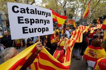 В навечерието на референдума за Каталуния напрежението в цяла Испания расте