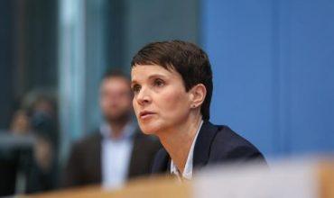 """Обвинения в лъжесвидетелство за лидер на """"Алтернатива за Германия"""""""