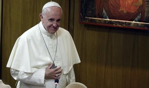 Папа Франциск – новата суперзвезда в Twitter
