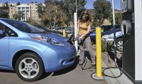 Електромобилите могат да сринат петролния пазар