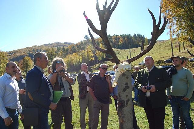 Показаха трофеи на благороден елен, добити в СЦДП – Габрово