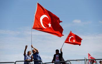 Правозащитници са заплашени от 15 г. затвор в Турция