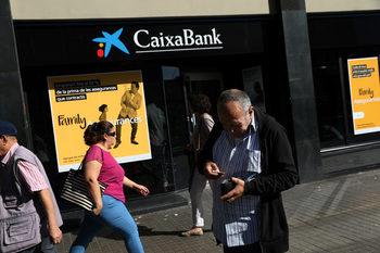 Испания ще улесни фирмите бързо да напуснат Каталуня
