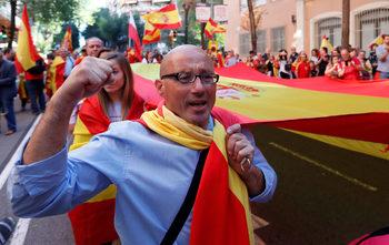 Стотици хиляди се обявиха против отцепването на Каталуня