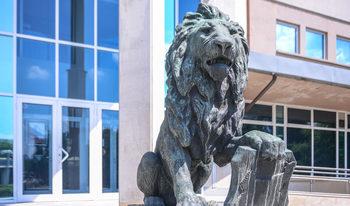 Лъвът от мемориала на Първи и Шести пехотен полк ще бъде върнат пред НДК до 1 ноември