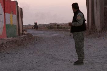 Иракската армия влезе в сблъсъци с кюрдски бойци и отвоюва територии около Киркук