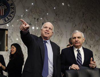 Джон Маккейн предупреди Ирак да не използва американско оръжие срещу кюрди