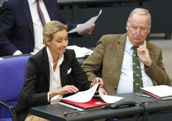 """Депутатите от """"Алтернатива за Германия"""" – от магистрати и банкери до бивш информатор на Щази"""