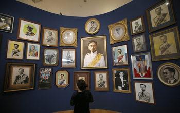 Фотогалерия: Тайландците се сбогуват с обичния си крал Бумибол Адулядей