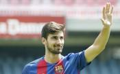 Барселона продава двама или трима играчи през януари