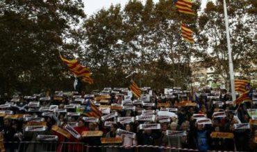 Хиляди излязоха по улиците на Каталуния