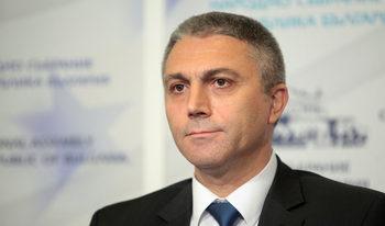 ДПС се подготвя за няколко вота на недоверие срещу правителството, обяви Карадайъ