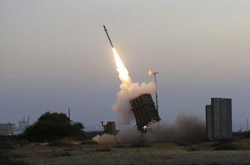 """Израел разположи противоракетна система в центъра на страната заради """"заплахи от Газа"""""""