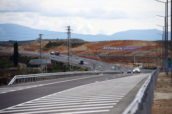 """Общо 28 фирми искат да строят трасето по """"Струма"""" в района на тунел """"Желенциа"""""""