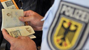 """Как Германия """"извади"""" Гърция от Шенген"""