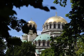 """Отпуснатите вчера над 1 млн. лева за ремонт на """"Александър Невски"""" днес бяха отрязани"""