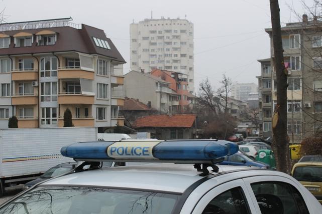 Крупен удар в Габрово: Задигнаха 12 000 лв. при обир на кола!