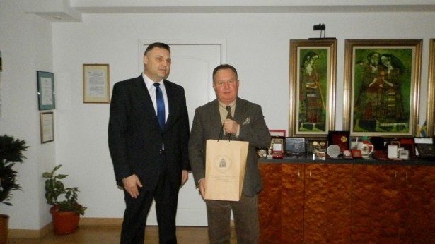 """Областният управител прие президента на Международния фонд """"Единство на православните народи"""""""