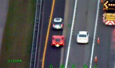 Беглец с Corvette се измъкна от полицията (ВИДЕО)