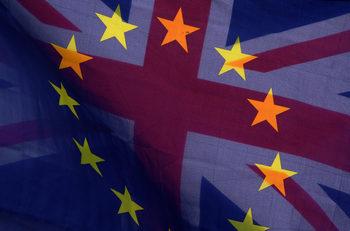 Какво ще стане с европейците във Великобритания след развода