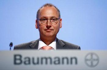 ЕК иска повече информация за сливането между Bayer и Monsanto
