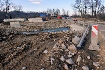 """Консорциум, начело с """"Геострой"""", започна ремонта на още 22 км от прохода """"Петрохан"""""""