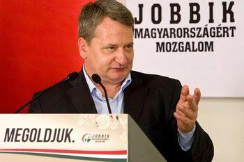 """Евродепутат от """"Йоббик"""" е обвинен от унгарската прокуратура, че шпионира ЕС в полза на Русия"""