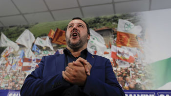 """С """"еднопосочен билет"""" за бежанците лидерът на Северна лига иска да спечели властта в Италия"""