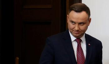 Напук на Еврокомисията, полският президент подписа спорни закони за правосъдната система