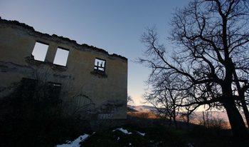 Читателска фотогалерия: Изоставените български села по празниците