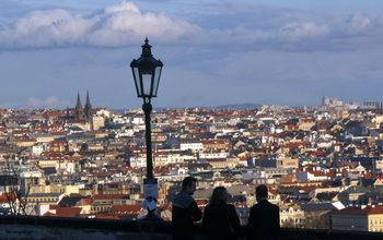 Чехия удвои до близо 20 хил. души квотата за наемане на украинци