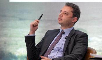 След жалбата на БСП в Конституционния съд Делян Добрев от ГЕРБ е оттеглил оставката си като депутат