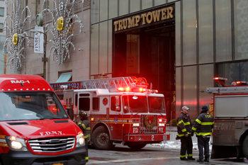"""Два души пострадаха при пожар в """"Тръмп тауър"""""""