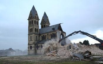 Фотогалерия: Заради въглища в Германия разрушават църква