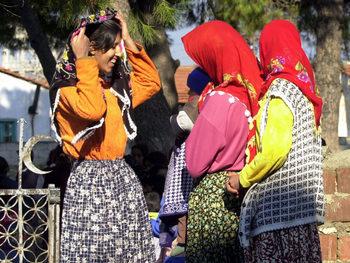 Момичетата могат да се омъжат и на 9 години, обяви турският Дианет