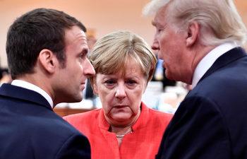 """С отслабени позиции Меркел се готви да оглави """"коалиция на загубилите"""""""