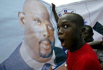 Президентът на Либерия ще намали заплатата си с 25%