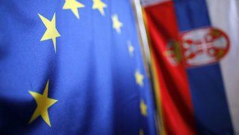 С нова стратегия Брюксел ще даде шанс на Сърбия и Черна гора да влязат в ЕС до 2025 г.